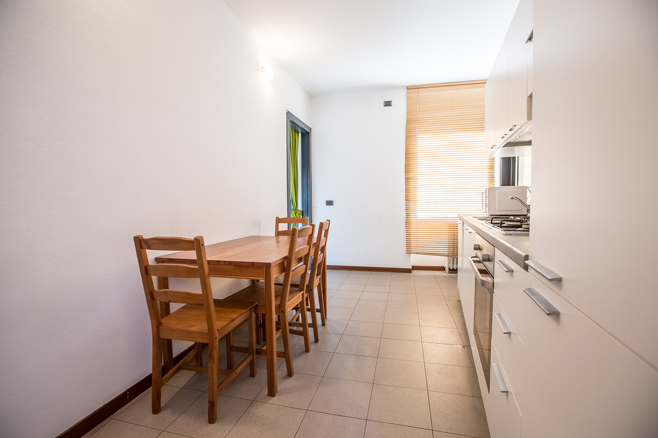 Student Apartment for rent in Via Gaetano Osculati, 15, 1° floor, in Milano, Italy