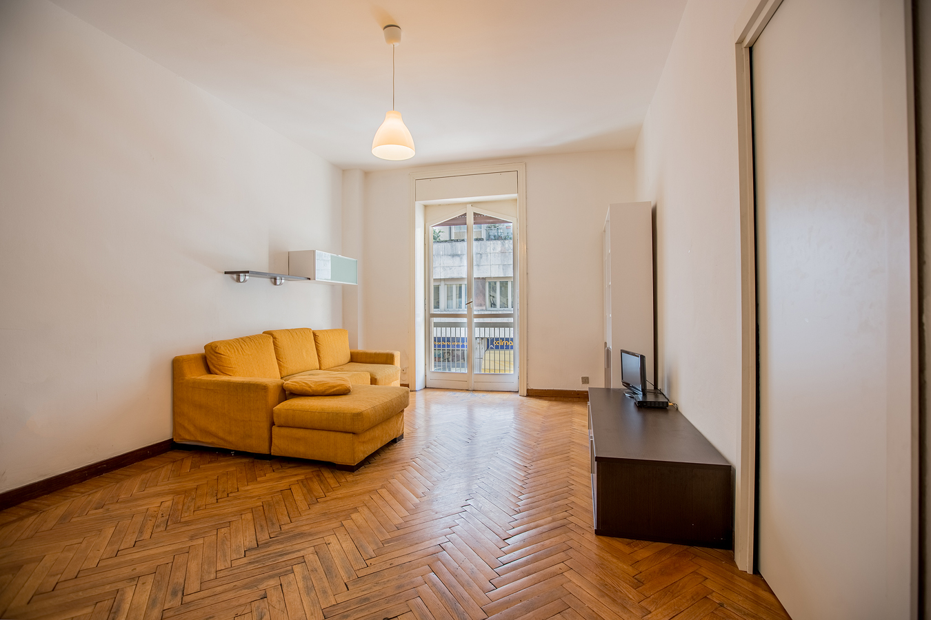 Student Apartment for rent in Via Ruggero Boscovich, 17, 1° floor, in Milano, Italy