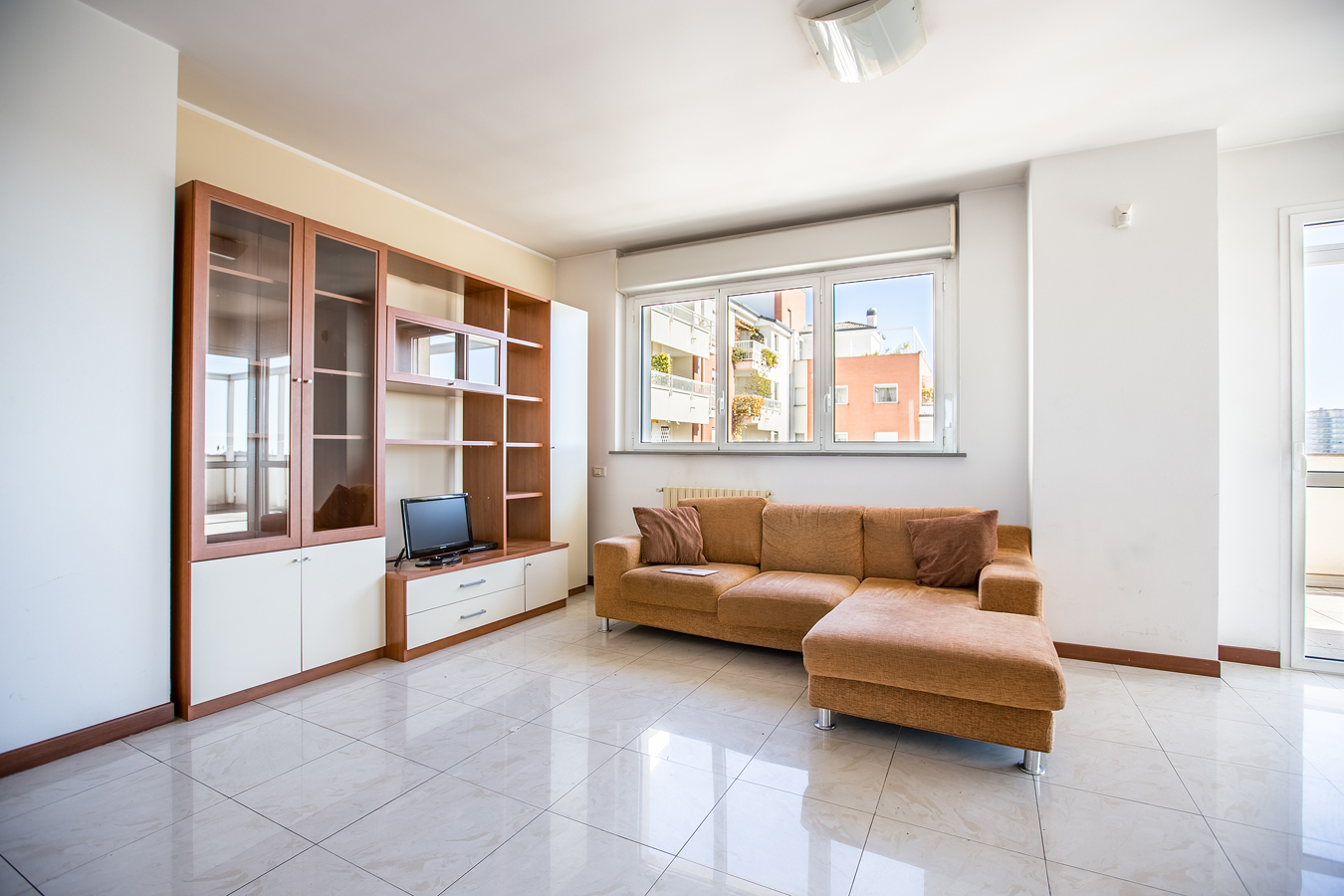 Student Apartment for rent in Via Carlo Perini, 18, 5° floor, in Milano, Italy